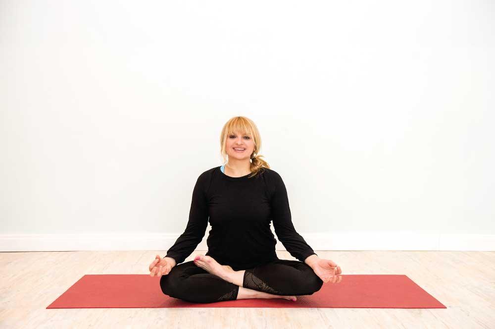 The-Flying-Yogi-Kasia-Poremna-Yoga-W12-Yinyasa-Hot-Yoga-Shepherds-Bush