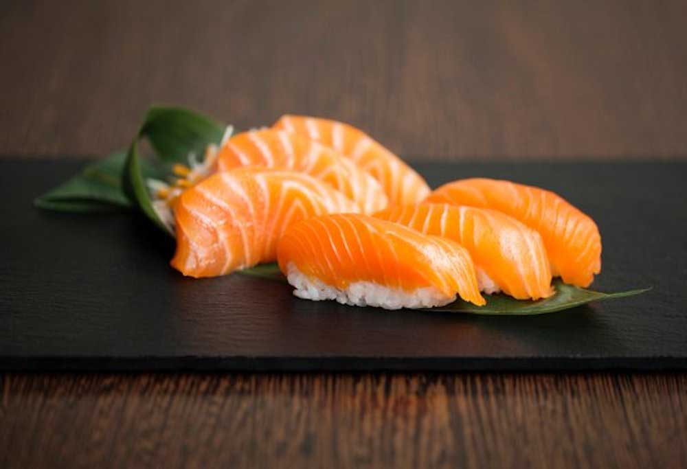 Yuma-Sushi-Chicwick W4-Salmon-Deluxe